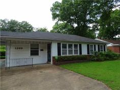 This home in East Memphis is listed by The Memphis Is Home Team! Waiting for its future owner at 1269 S Perkins.