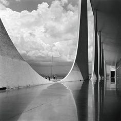 Palácio da Alvorada by Oscar Niemeyer, Brasilia, Brasil