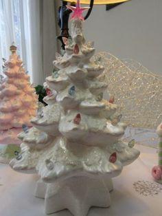 Pearl White Ceramic Christmas Tree W Pastel Glitter Lights Pink Clear Blue Green Vintage Ceramic Christmas Tree, Ceramic Light, Pearl White, White Ceramics, Blue Green, Pastel, Glitter, Lights, Pearls