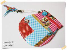 Monedero cierre clic clac de hule con diseño por MamselleChocolat