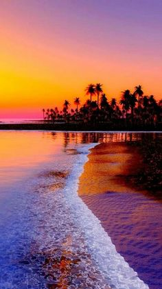i love the use of Silhouette and very vivid colours to show off the sunset. makes for a beautiful vertical landscape shot sea ocean beach sunset Beautiful Sunset, Beautiful Beaches, Amazing Sunsets, Sunsets Hawaii, Sunset Beach Hawaii, Ibiza Sunset, Hawaii Hawaii, Pink Sunset, Sunset Pics