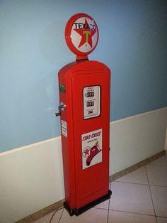 Réplica Bomba De Gasolina Modelo De Parede Em Fibra De Vidro - R$ 1.500,00