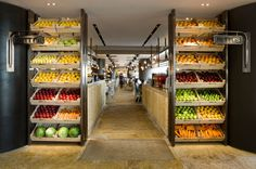 67 Super Ideas for fruit market design juice bars Cafe Design, Store Design, Bar Deco, Juice Bar Design, Design Commercial, Vegetable Shop, Hongkong, Fruit Shop, Food Retail