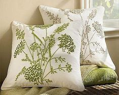 Одноклассники Embroidery Art, Pillow Embroidery, French Knot Embroidery, Silk Ribbon Embroidery, Embroidery Patterns, Embroidery Stitches, Diy Pillow Covers, Diy Pillows, Decorative Pillows