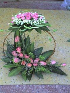 3 Portentous Useful Ideas: Wedding Flowers Bouquet 2018 wedding flowers bouquet greenery. Modern Floral Arrangements, Church Flower Arrangements, Church Flowers, Beautiful Flower Arrangements, Funeral Flowers, Beautiful Flowers, Flowers Garden, Deco Floral, Arte Floral