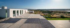 react architects steps 'the gaze' house into idyllic greek island landscape Villas, Paros Greece, Flat Roof House, Paros Island, Interior Minimalista, Roof Plan, Architectural Elements, Landscape Design, Facade