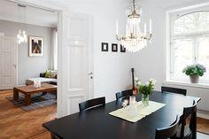 2 395 000 kr  Avgift: 5 206 kr  Antal rum: 4  Boarea: 106 m2    BOENDEKOSTNAD:   7 599