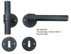 Rosettengarnitur Antik Eisen von Galbusera. Classic Wrought Iron door Handle.