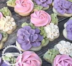 Some floral cookies for a bridal tasting event using the 3 rose cutter from Mother's Day Cookies, Crazy Cookies, Summer Cookies, Cut Out Cookies, Iced Cookies, Cute Cookies, Easter Cookies, Flower Sugar Cookies, Sugar Cookie Royal Icing