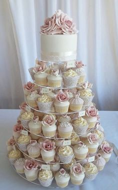69 Beautiful Winter Wedding Cake Trends in 2017 . - 69 beautiful winter wedding cake trends in 2017 - Pretty Cupcakes, Wedding Cakes With Cupcakes, Cupcake Cakes, Cupcake Tower Wedding, Simple Cupcakes, Sweet 16 Cupcakes, Elegant Cupcakes, Cupcake Ideas, Cupcake Display