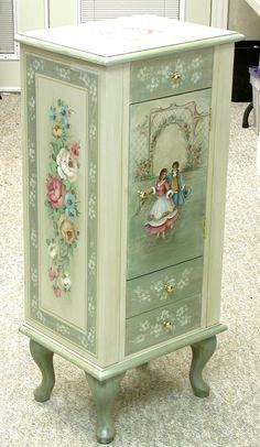 Jewelery Box decoupage - What a well made decoupage can do for a mobile . Decoupage Furniture, Hand Painted Furniture, Paint Furniture, Upcycled Furniture, Shabby Chic Furniture, Furniture Makeover, Vintage Furniture, Trendy Furniture, Furniture Design