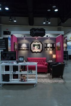 i would love to have a couch in my booth!