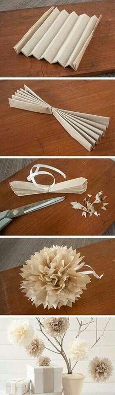 Pompones de papel.