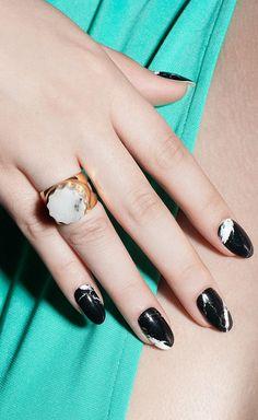 mod black nail wraps