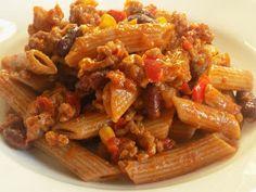magiczna kuchnia Kasi: Chili con carne z makaronem Beef, Chicken, Food, Chili Con Carne, Meals, Yemek, Steak, Cubs, Eten