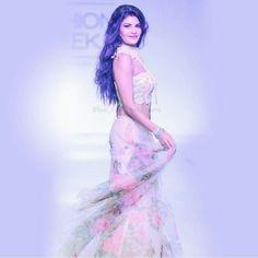 Gorgeous Jacqueline #hot #jacquelinef143 #jacquelinefernandez #aliabhatt #sonamkapoor #urvashirautela #ileanadcruz #kareenakapoor…