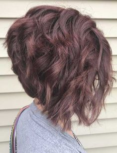 Beste Kurzhaarschnitte für Curly Hair Trends 2019 - New Site Curly Stacked Bobs, Angled Bob Hairstyles, Stacked Bob Hairstyles, Long Bob Haircuts, Stacked Bob Short, Short Inverted Bob, Inverted Bob Haircuts, Angled Bobs, Layered Bobs