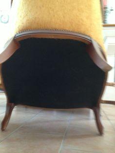 Canapé + fauteuil (bois) - http://www.lesbrocanteurs.fr/annonce-antiquaire/canape-fauteuil-bois/