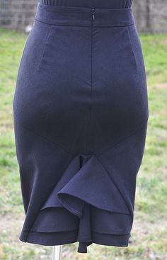 free sewing pattern for flair back on skirt.  In Polish