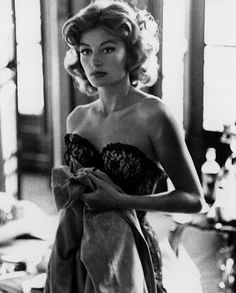 Anouk Aimée is Lola.