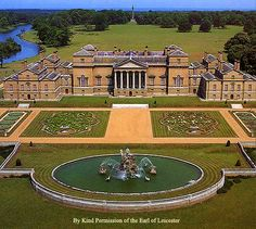 Holkham Hall built by Thomas Coke, Earl of Leicester from plans by William Kent; Palladian exterior and interior. Holkham Hall, Wells-next-the-Sea, Norfolk. A spectacular example of English Palladian style English Architecture, Georgian Architecture, English Manor Houses, English House, Mansion Interior, Le Palais, Grand Homes, Marquise, Country Estate