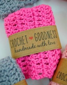 Looking for a simple and sweet way to wrap up your DIY gifts? These free crochet labels will help you dress up your pretty creations in seconds! I've created three Crochet Goodness Label designs to wr Crochet Gratis, Cute Crochet, Easy Crochet, Grinch, Printable Labels, Free Printables, Labels Free, Crochet Dishcloths, Chrochet