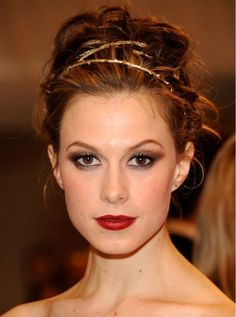 8 Head-Turning Wedding Hairstyle (And Accessory) Ideas From This Week's Met Ball: Save the Date