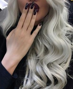 grey hair and nails on point. @sharifaholivia