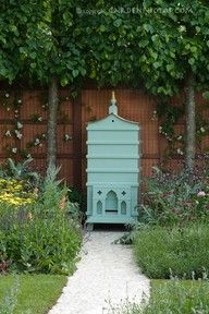 I want this beautiful hive for my garden!