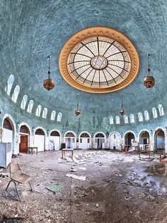 "President William McKinley was shot under this dome in Buffalo, New York in August of ""McKinley's Dome"" now sits abandoned In this deserted sanatorium. The original building was dismantled at the end of the exposition. Only the dome was saved. Abandoned Buildings, Abandoned Property, Abandoned Asylums, Old Buildings, Abandoned Places, New York In August, Haunted Places, Monuments, Old Houses"