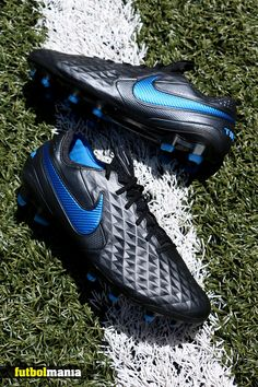 Black Football Boots, Nike Football Boots, Soccer Boots, Adidas Football, Puma Sports Shoes, Nike Soccer Shoes, Nike Cleats, Soccer Cleats, Messi