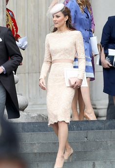 drooling... perfection! Princess Kate lace dress..