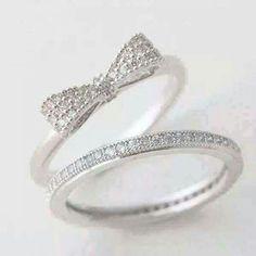 Love this ring set... simple & elegant
