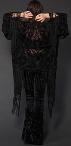 burnout velvet shawl velvet jeans - love this - not that I have any occasion to wear it though! Witch Fashion, Dark Fashion, Gothic Fashion, Boho Fashion, Fashion Outfits, Gypsy Style, Boho Gypsy, Bohemian Style, My Style