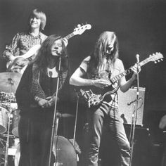 Janis with her second band The Kozmic Blues Band. Sam Andrew was the only one from Big Brother that she brought with.