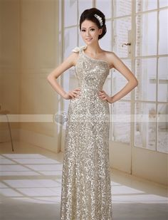 DinoDirect.com supplied the best XDIAN Rhinestones Sequins Lace One Shoulder Chiffon Prom Dress Unique Evening Dress you like. Ball Dresses, Evening Dresses, Halter Dresses, Unique Prom Dresses, Formal Dresses, Beaded Lace, Dress First, Costumes For Women, Dream Dress