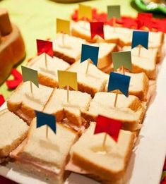 Decoração de Festa Junina – 50 Ideias Incríveis Para se Inspirar Partying Hard, Fiesta Party, House Party, Halloween Diy, Party Themes, Alice, Happy Birthday, Chocolate, Cooking