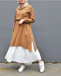 Sweater Dresses With Hijab Style . Casual and street style hijab outfit ideas. hijab Sweater Dresses With Hijab Style - Zahrah Rose Modern Hijab Fashion, Street Hijab Fashion, Hijab Fashion Inspiration, Islamic Fashion, Muslim Fashion, Modest Fashion, Skirt Fashion, Fashion Outfits, Queer Fashion