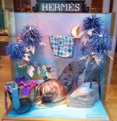 Hermès Christmas 2016 Window Display – Design Retail Space Christmas Window Display, Window Display Design, Retail Space, Christmas 2016, Windows, Painting, Art, Art Background, Painting Art