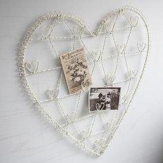 Wire heart hanger