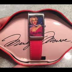 Marilyn Monroe Collector's Watch By Avon, comes with cute red lips tin. Avon Accessories Watches