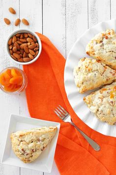 Apricot Almond Scones from Confessions of a Bright-Eyed Baker What's For Breakfast, Breakfast Recipes, Weird Food, Crazy Food, Clotted Cream Recipes, Sweet Bread, Scones, Love Food, Yummy Treats