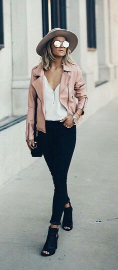 Womens fashion fall style fashion outfit street style blush jacket hat he. Looks Street Style, Looks Style, Mode Outfits, Casual Outfits, Winter Outfits, Winter Dresses, School Outfits, Summer Outfits, Outfits 2018 Street Styles
