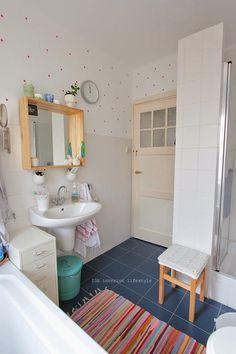 ANTES Y DESPUÉS: Un baño totalmente nuevo con toques de color | Decorar tu casa es facilisimo.com