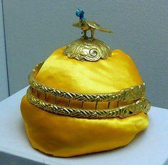 Golden crown | The Hun era. Royal Crowns, Royal Tiaras, Tiaras And Crowns, Golden Crown, The Crown, Royal Jewelry, Gold Jewelry, Jewellery, Headdress