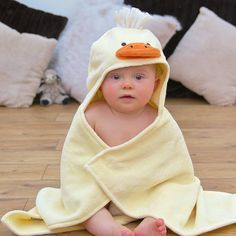 Looking for a present for baby bath time fun? This yellow duck hooded baby towel makes a perfect baby gift for both baby boys and baby girls. Babies name can be embroidered at the back to make a special personalized baby gift. Baby Shower Presents, Baby Presents, New Baby Gifts, Toddler Towels, Baby Bath Time, Baby Towel, Towel Set, Baby Ducks, Personalized Baby Gifts