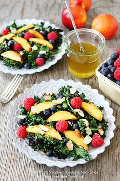 Grilled Kale Salad with Berries & Nectarines Recipe on twopeasandtheirpo. A simple, healthy, and beautiful summer salad! Kale Salad Recipes, Vegetarian Recipes, Healthy Recipes, Raw Recipes, Cookbook Recipes, Cooking Recipes, Grilled Romaine, Nectarine Recipes, Vegetarian