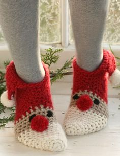 Christmas Slippers The Cutest Free Collection | The WHOot
