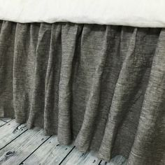 Chambray grey bed skirt Gathered Bed Skirt Available in Twin Full Queen King Calif. King 13-24 drop or custom length (from http://ift.tt/2kV8gRM)   Double tab for more images.  #fortheloveoflinen #linen #bedlinen #tellmemore #interior4all #linenbedding #pureline #purelinenutrition #interiordecor #bedroomdecor #bedroominspiration #handmade #handmadebedding  #tailoredmade #instadaily #bedskirt #chambray #chambraybeddding