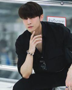 いいね!1件、コメント0件 ― M.(@m910221)のInstagramアカウント: 「191218 at BKK airport」 My Love From The Star, Powerful Love Spells, Japanese Drama, Thai Drama, Handsome Actors, Celebs, Celebrities, Fujoshi, Pretty Boys